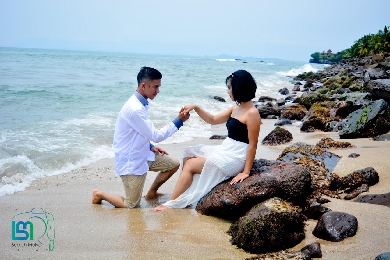 Jasa Foto Prewedding Outdoor Di Obyek Wisata Berkah Mulya Foto