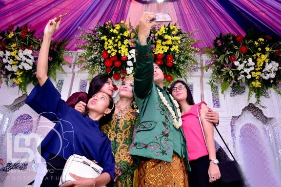 Pernikahan Tina 7