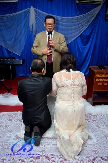 foto-wedding-gedung-kelapa-gading-12