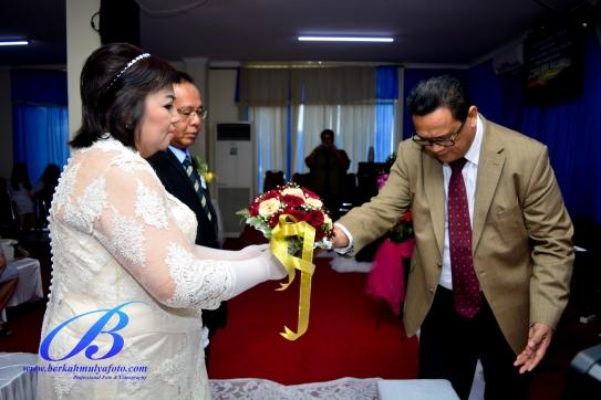 foto-wedding-gedung-kelapa-gading-9