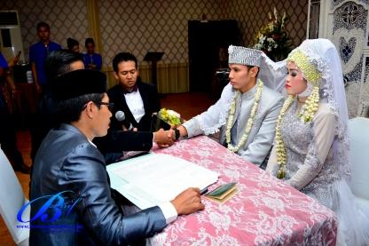 jasa-foto-wedding-di-restoran-bukit-randu-bandara-10
