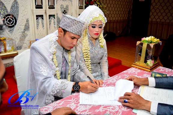 jasa-foto-wedding-di-restoran-bukit-randu-bandara-11