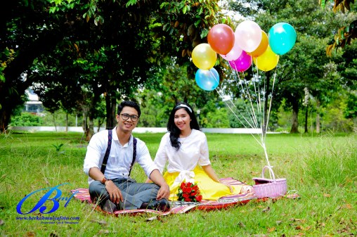 Jasa foto prewedding di taman mini (1)