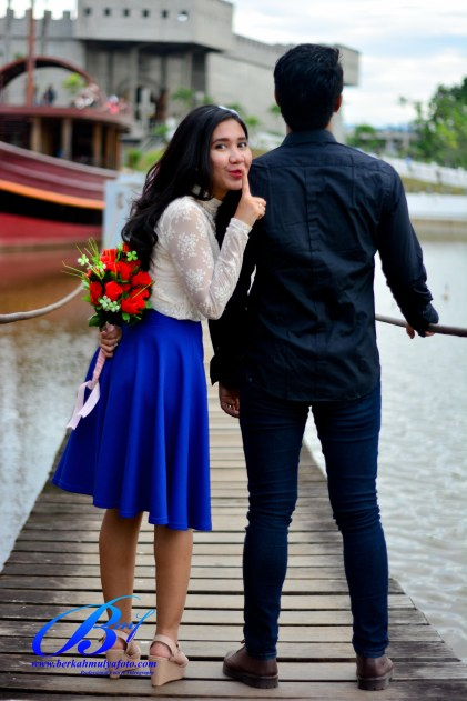 Jasa foto prewedding di taman mini (15)