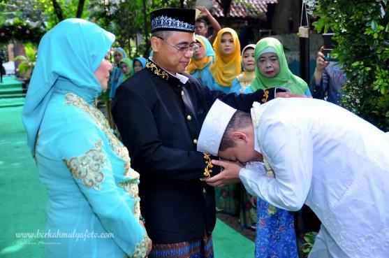 Jasa foto wedding di omah kebon bekasi (12)