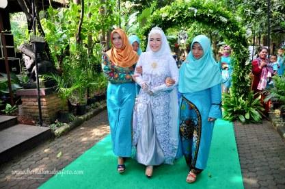 Jasa foto wedding di omah kebon bekasi (20)