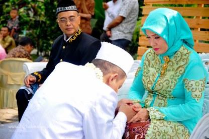 Jasa foto wedding di omah kebon bekasi (32)